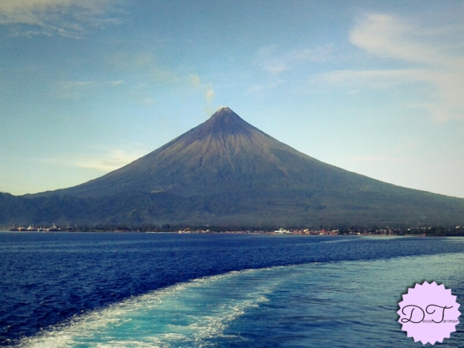 The beauty of Mt. Mayon :) This photo was taken a year ago.