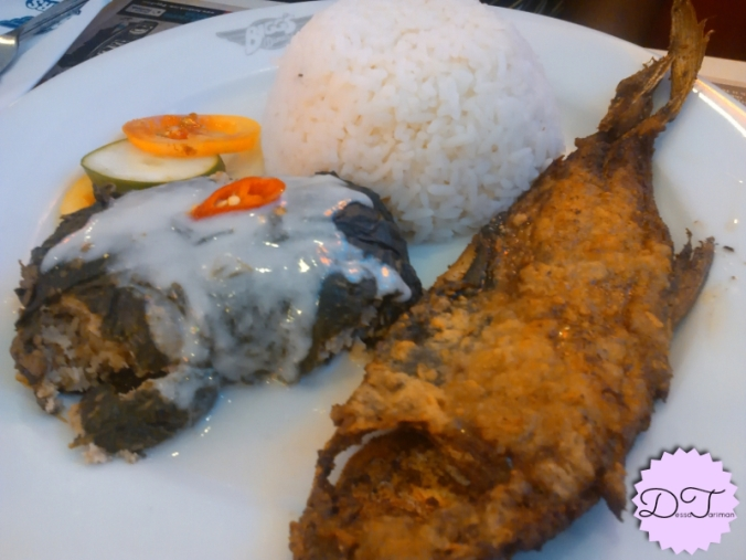 Fried milkfish with pinangat